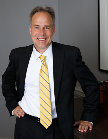 Mark Schweitzer title insurance defense, real estate, business litigation and commercial real estate transactions lawyer